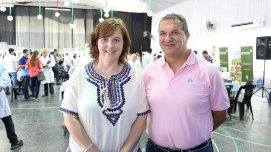 Guadalupe Lanati (Intendente electo de Totoras) y Jesús Carrara (Pdre. De la Fiesta Nacional de la Leche)